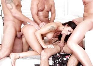 Billie Star gagging on four hung guys