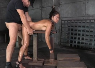 Ava Dalush spit roasted far a slavery threesome