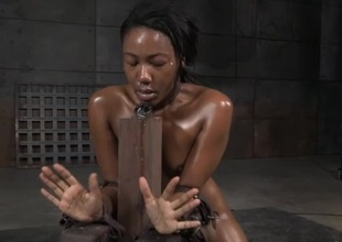 Slavery hotty suffers through rough mouth shacking up