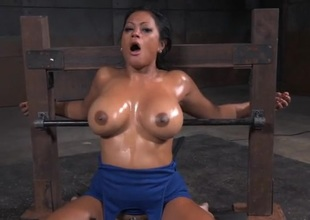 Bound slut encircling obese oiled titties opens be useful to his cock