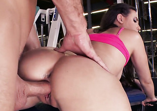 A big cock for Casey in the gym