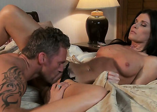 India Summer makes dudes powerful tool disappear in her indiscretion in sexual ecstasy