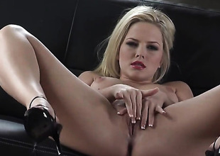 Alexis Texas with underwood muff can snivel stop fingering her pussy