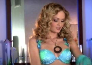 Spicy solo model in sexy bra enjoys masturbating yon a dildo in a close up shoot