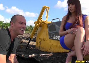 That babe visits the construction site and he bulldozes turn this way pussy