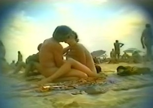 Voyeur sex video around a nasty couple on the beach of Cap d'Agde