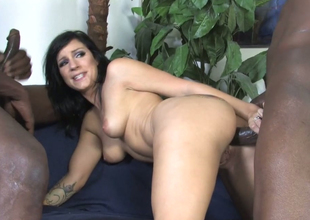 Horn brunette mommy Tori Lux gets her ass hole hammered fro bbc