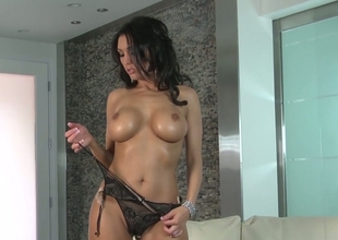 Hot mom with large boobs Dylan Ryder pleases herself