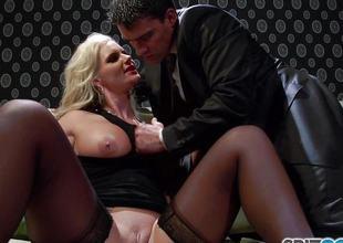Breaking into the vajayjay of horny blonde Phoenix Marie