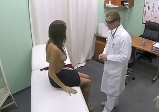 FakeHospital Hot girl with detailed tits gets doctors treatment