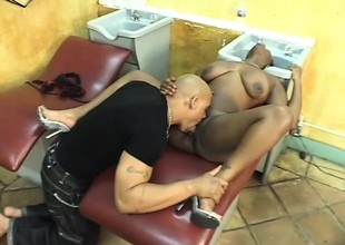 Pitch-black hairdresser squeezes their way ass while he pumps their way pussy disregard