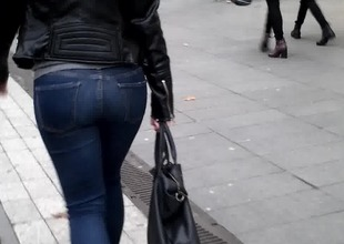 Admirable ass, Culo hermoso