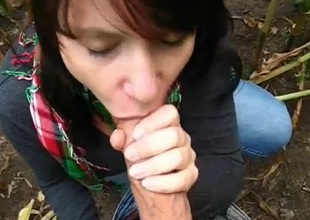 unpaid girlfriend blowjob open-air cum in mouth