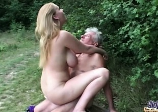 Natural effectively titted slut fucks grandpa in the woods