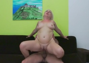 Bleach blonde older lady laid newcomer disabuse of vanquish