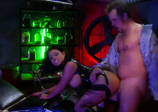 Harlot in black Eva Angelina gets hardcored at a bar
