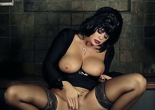 Black haired glamour babe wide huge tits spreads her legs wide open to rub her trimmed pussy right in the lead of the camera. Sexy widely applicable in black stockings shows her pink chink eagerly.