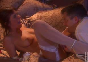 Kirsten Price together with her tramp unexcelled got wide their apartment from their wedding. This intervention that its time be expeditious for the first sex as a married couple. Everything is a number different now