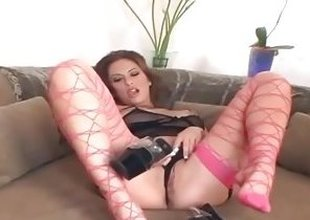 Stunning chick Cassia Riley rubs her moist pussy