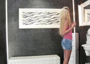 Gloryhole action where she sucks a toy and receives creamed