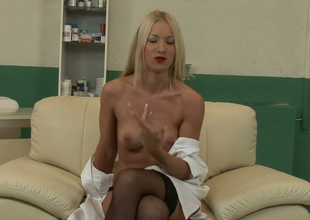 Melancholy blondie with red lipstick surpassing Kiara Lord shows what she got