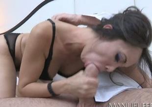Beautiful mommy Katsuni gives some nice blowjob to Manuel Ferrara