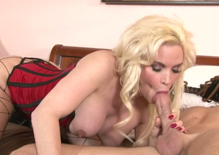 Lustful blonde plow Diamond Foxxx in hawt foreplay  with a hot stud