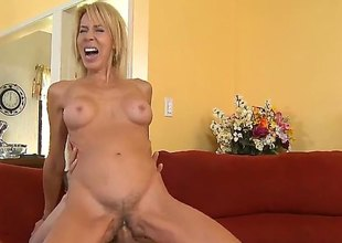 Blue-eyed Erica Lauren is good on the top of her way to satisfy her hard cocked fianc' link Chris Johnson