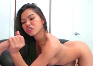 Great looking Asian girl is in the mood to suck