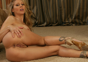 Julia Ann & Seth Gamble in the matter of My Friends Hot Mom