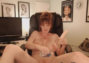 Sexy Big Chest MILF Shows Naked nearly a Sexy Pussy Maturbation Show