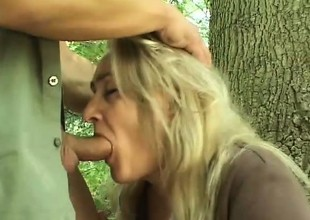 Wicked blonde can't keep in view her boyfriend to nail her in be passed on countryside