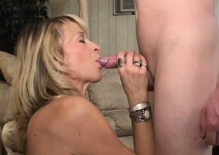 Sexy experienced MILF Kari gets rosiness aloft with a young college guy