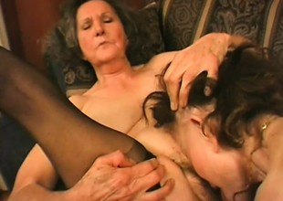 Two old horny grannies contend in ever other's pussies with undertow