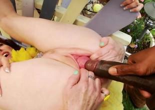 videorolik-obuchayushiy-zanyatie-analnogo-seksa