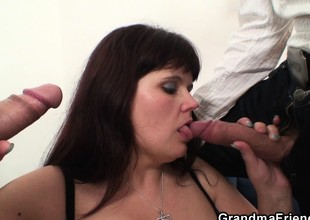 Super mommy swallows two cocks inhibit photosession