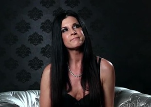 India Summer pertain with the babe in a bra