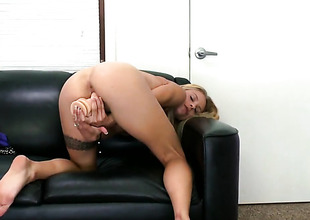 Golden-haired Cameron Canada about small boobs with an increment of trimmed snatch does her best here give herself too much b the best orgasm as a last resort