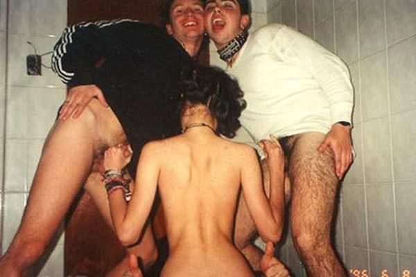 групповой секс снятый на телефон скачать